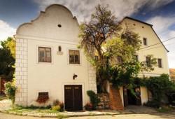 Původní budova Reisten, dnes Vinařství NEPRAŠ & Co.